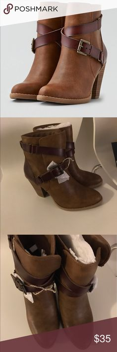 Brown booties! American Eagle Boots Brand New *never worn* American Eagle Outfitters Shoes Ankle Boots & Booties