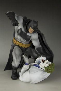 Batman-Hunt The Dark Knight ARTFX Statue