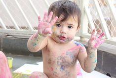 Veja receitas fáceis de como fazer tinta caseira e comestível para as crianças.