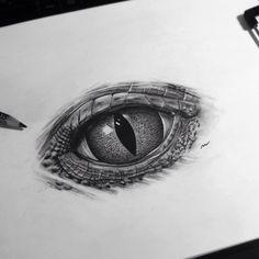 New #realistic #eye !#reptile #reptileeye #art #artwork #painting #drawing #blackandgrey #artcollective #tattooage #tattoo #lisboalive