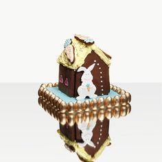 """Na dúvida de quais ovos de chocolate escolher nesta Páscoa? Vogue te ajuda: em sua coluna de hoje @aleblanco revela suas impressões sobre algumas dezenas deles.""""A intenção é ser aquela amiga chocólatra pra quem você liga pedindo ajuda na hora de fazer suas compras de Páscoa sabe?"""" explica. Clique no link da bio e confira! (Foto: Faustulo Machado / Arquivo Vogue) #pascoa #gastronomia  via VOGUE BRASIL MAGAZINE OFFICIAL INSTAGRAM - Fashion Campaigns  Haute Couture  Advertising  Editorial…"""