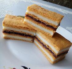 Prajitura cu suc de rosii si crema de gris Kiwi, Yogurt, Cheesecake, Cream, Desserts, Creme Caramel, Tailgate Desserts, Deserts, Cheesecakes