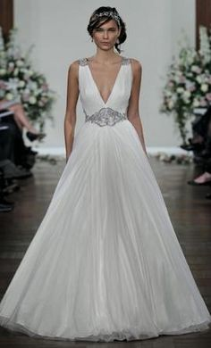 Jenny Packham Blaire wedding dress currently for sale at 69% off retail.