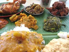 Banana leaf rice with all its delicious bells n whistles!
