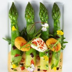Les Premières Asperges Vertes  Éric Briffard  #market #vegetable #vegetale #vegan #organic #experience #creation #fooding #food  #luxury #table #ericbriffard #chef #cook #mof #michelin #fashion #cooking #consulting #guidemichelin #kitchen #gastronomy #love #paris #lesgrandestablesdumonde #gourmet #taittinger #enjoying #japan #mof #paris #instafood