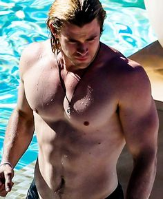 GORGEOUS Chris Hemsworth - chris-hemsworth Photo I need a thor!!! <3