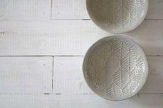 t3089 leaf pattern ペールグリーン たたらフラットボウル/生活陶器「on the table」