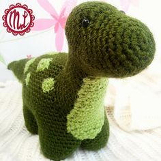 Free crochet amigurumi dinosaur pattern Meet Dexter, my little green dinosaur. He stands 6,7 inches (17cm) tall, and he is 13 inches (33cm) long. If you want to make him, here is what you need: