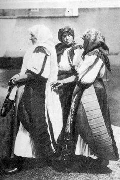 women in Sunday best, Kolozs county, 1940s  4-21a.jpg 348×522 pixels