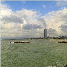 #grattacielo di #cesenatico #romagna #sea #beach #mare #spiaggia #cesenaturismo #ig_forli_cesena #emiliaromagna_super_pics #igfriends_emiliaromagna_ #igersemiliaromagna #igersfc #volgoeniliaromagna #vivoforlicesena #vivoemiliaromagna #volgoforlicesena #s - #square squareformat iphoneography instagramapp http://buff.ly/1TNcwyf