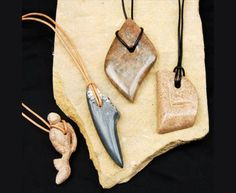 Stone Jewelry, Hanger, Woodworking, Christmas Ornaments, Holiday Decor, Creative, Crafts, Collections, Beautiful