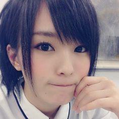 シュッとした黒髪がキュート。山本彩さんの髪型一覧です♡