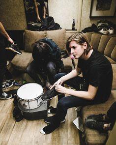 Oliver Sykes x Matt Kean Emo Bands, Music Bands, Rock Bands, Oliver Sykes, Bring Me The Horizon, Matt Nicholls, Matt Kean, Happy Song, Hollywood Undead