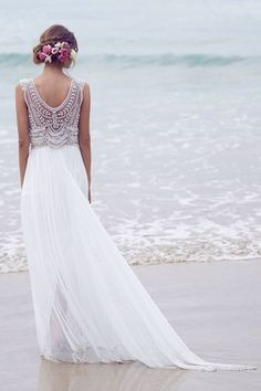 Image via We Heart It #back #clothes #detail #diamond #dress #fashion #flower #hairstyle #long #photography #pretty #Prom #rhinestone #spring #summer #tropical #wedding #white #beach #beautiful