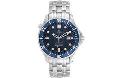 Time To Buy: The Ultimate Guide To James Bond's Watches Montre James Bond, James Bond Watch, Seiko Diver, Roger Moore, Daniel Craig, Casino Royale, Rolex Submariner, Flux Instagram, Bracelet Nato