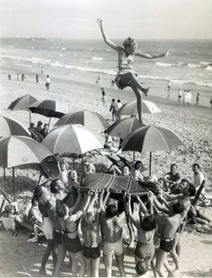 1950's Beach Toss!  S)