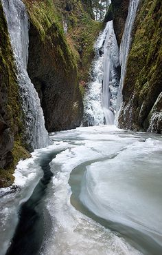 Frozen Falls - Columbia River Gorge, Oneonta Canyon, Oregon, USA