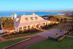 Look at the bloody club house (Kauri Cliffs). This could also go into Things I'd Like.