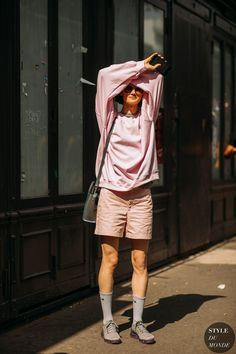 15 x 20 Street Snap, Street Look, Street Chic, Blush Outfit, Street Style Blog, Street Styles, Spring Summer Fashion, Cool Outfits, Fall Winter