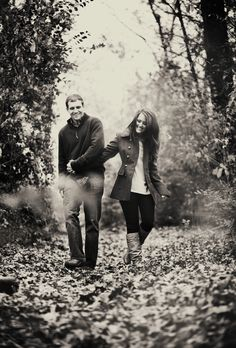 Fall engagement photo, walking path, couples' outfits