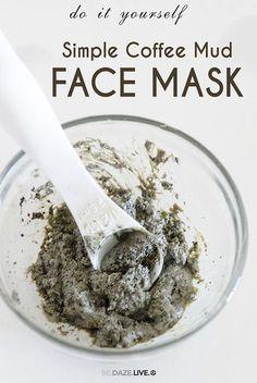 DIY Simple Coffee Mud Mask | Be Daze Live - anti-acne - skin brightening - skin detox - deep cleansing #CoffeeScrubHomemade #OrganicFaceMoisturizer Face Mask For Pores, Diy Face Mask, Face Scrub Homemade, Homemade Face Masks, Homemade Facials, Detox Maske, Peeling Maske, Coffee Face Mask, Coffee Face Scrub