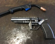 Welding Art Projects, Metal Art Projects, Revolver Pistol, Revolvers, Cool Things To Build, Stash Containers, Gun Vault, Garage Art, Scrap Metal Art