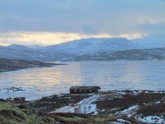 Flott beliggende hytte bestående av 2 avdelinger ved nordenden av Unndalsvatnet, 30 kilometer fra  Oppdal sentrum.