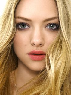 makeup inspiration (dark eyes, nude/mid tone lips)  http://i2.listal.com/image/470374/600full-amanda-seyfried.jpg