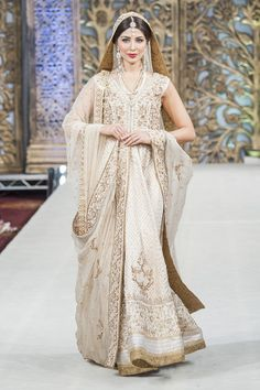 Neutral is one of the new trends Indian bridal fashion: Champagne, gold, pearl white, silver.