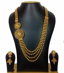 Find wide range of fashion jewellery, imitation, bridal, artificial, beaded and antique jewellery online. Buy imitation jewellery online from designers across India. Call us on [phone] now to resolve your queries. Gold Jewellery Design, Antique Jewellery, Girls Jewelry, Bridal Earrings, Necklace Designs, Necklace Set, Gold Necklace, Fashion Jewelry, Designer Sarees