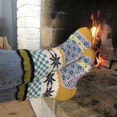 Knit Slippers, Slipper Socks, Stocking Tights, Boot Cuffs, Knitting Ideas, Leg Warmers, Ankle, Crochet, Hosiery