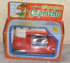 PLANCHA JUGUETE CAPRICHO JOAL EN CAJA ORIGINAL REF. 65  MADE IN SPAIN.  MEDIDAS APROX. CAJA 13,5X15,5X7 CM.