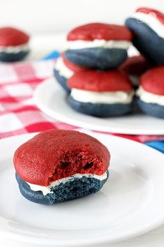 These Red, White, + Blue Velvet Whoopie Pies look deliciously patriotic. #thefourth #fourthofjuly