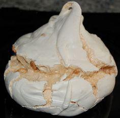 ¿Cómo hacer un buen merengue? - CocinaChic Sweet Recipes, Cake Recipes, Dessert Recipes, Pavlova, No Bake Desserts, Healthy Desserts, Chilean Recipes, Mini Cakes, Cakes And More