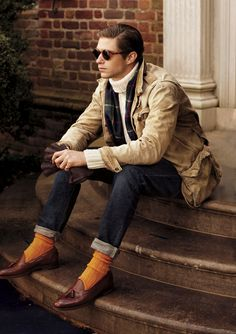 Ease into the colder months with a unique mix of luxurious layers, rugged sportswear and perfectly tailored suits.