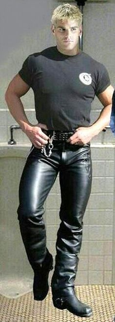 hot gay men im leather Mens Leather Pants, Tight Leather Pants, Biker Leather, Black Leather, Leather Fashion, Mens Fashion, Leder Outfits, Raining Men, Black Men