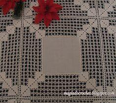 Magia Do Crochet: Linho E Crochet. Crochet Square Patterns, Crochet Motifs, Crochet Borders, Filet Crochet, Crochet Fabric, Crochet Flowers, Crochet Lace, Tablecloth Fabric, Crochet Tablecloth