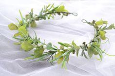 Floral Crown Wedding, Wedding Hair Flowers, Wedding Hair Pieces, Flowers In Hair, Flower Crown Hairstyle, Flower Headpiece, Crown Hairstyles, Flower Girl Bouquet, Flower Girl Crown