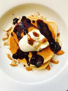 Read our delicious recipe for Blueberry & Vanilla Pancakes, a recipe from The Healthy Mummy, which is a safe way to lose weight after having a baby. Healthy Mummy Recipes, Diabetic Recipes, Vanilla Pancakes, Cure Diabetes Naturally, Breakfast Recipes, Pancake Recipes, Breakfast Ideas, Blueberry, The Cure