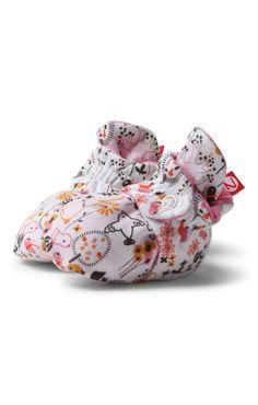 Nieuwe booties are coming! O.a. deze cute folktale booties en fleece booties met antislip zool.