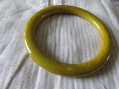 "Vintage BAKELITE BANGLE Spinach/Mustard Blended Coloring Measures 8"" Inside Circum 3/8"" W Ladies Unmarked Collectible Wonderful Condition by GrammiesCupboard on Etsy"