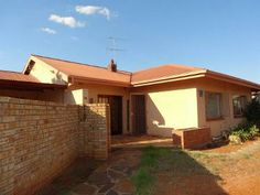Diamond Park R1 007 000 Extremely neat property offering 3 bedrooms, all with built in cupboards and 2 full bathrooms. Living areas include lounge and dining room, both neatly tiled out. Fitted kitchen. Spacious corner plot with 2 entrances and potential to expand. Double lock-up carport. 1 Bedroom flat for extra income.