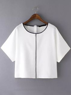Shop Contrast Edge White Top at ROMWE, discover more fashion styles online. Teen Fashion Outfits, Hijab Fashion, Fashion Dresses, Jugend Mode Outfits, Vetement Fashion, Crop Top Outfits, Shirt Blouses, Shirts, Mode Chic