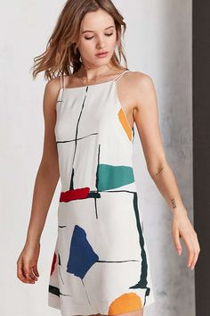 Silence + Noise Ella Printed Crepe Shift Mini Dress - Urban Outfitters