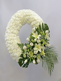 Idea Of Making Plant Pots At Home // Flower Pots From Cement Marbles // Home Decoration Ideas – Top Soop Funeral Floral Arrangements, Church Flower Arrangements, Beautiful Flower Arrangements, Beautiful Flowers, Flower Wreath Funeral, Funeral Flowers, Grave Flowers, Cemetery Flowers, Ikebana