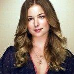 Emily VanCamp hair