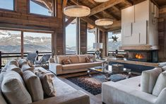 Chalet Ararat is a brand new property set in an excellent location in Megeve, near the Princesse ski lift. Chalet Design, House Design, Luxury Homes Exterior, Luxury Modern Homes, Luxury Houses, Chalet Interior, Wood Interior Design, Ski Chalet Decor, Location Chalet