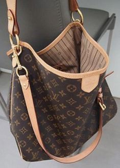 e657a1ac6e37 LV Louis Vuitton Delightful MM with luggage strap