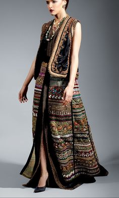 Arab Fashion, Indian Fashion, Womens Fashion, Kimono Fashion, Fashion Dresses, Country Costumes, Skirt Outfits, Cool Outfits, Orientation Outfit