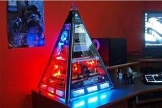 The Great Pyramid PC Case Mod The case is 7.5 lbs, made from laser cut very high quality black and silver aluminum. Its base is 19×19 and it is 25 inches high.
